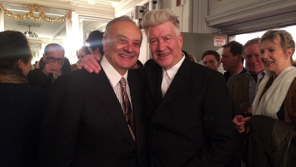 Angelo Badalamenti (vlevo) a David Lynch na večírku