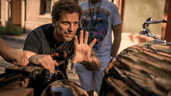 Zack Snyder natáčí na iPhone filmeček Snow Steam Iron